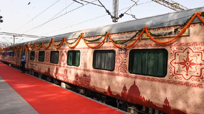 IRCTC has announced to run deluxe train under the name Padho Rajasthan.
