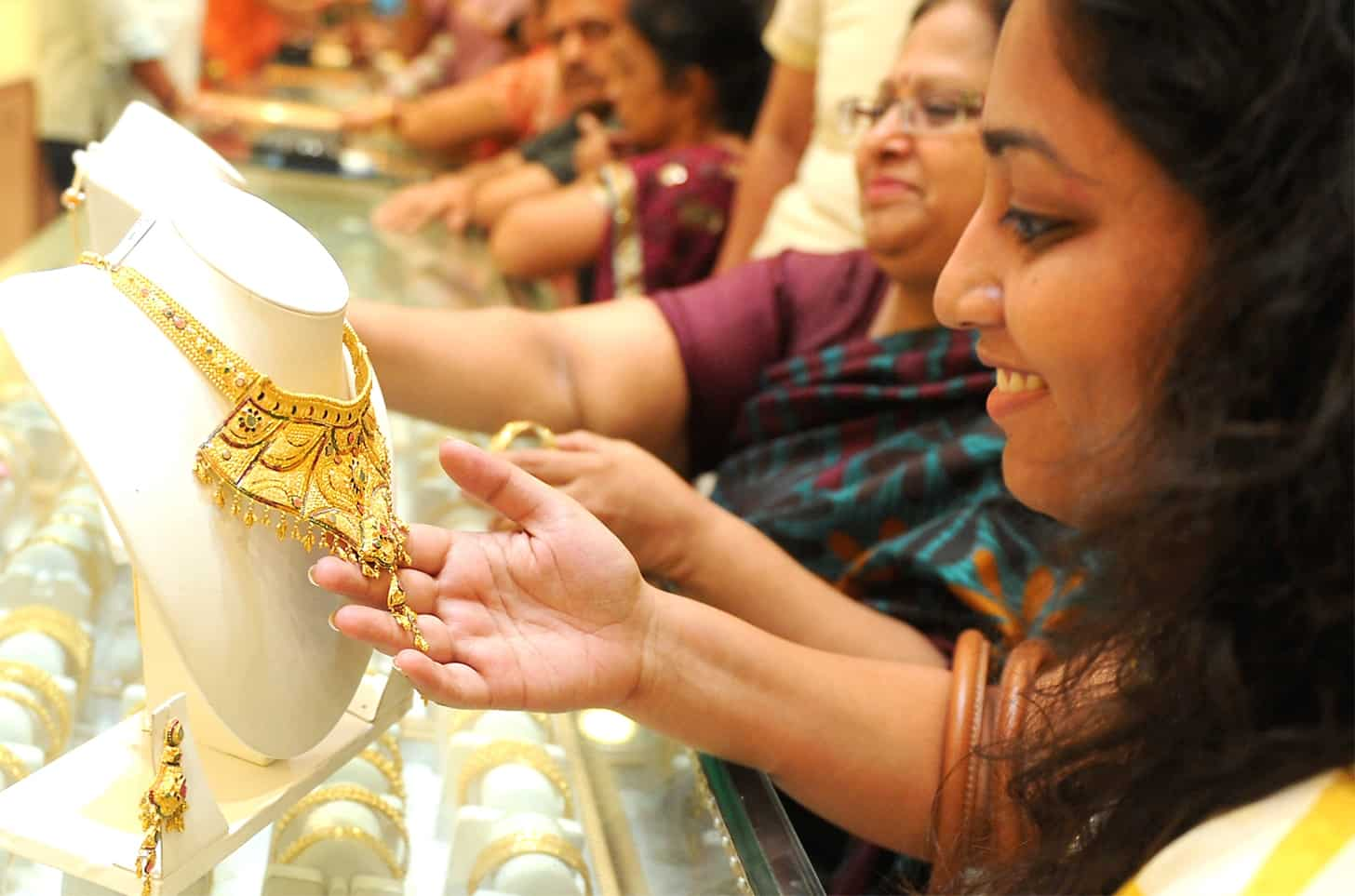 Will investing in physical gold post GST a good option? | Zee Business