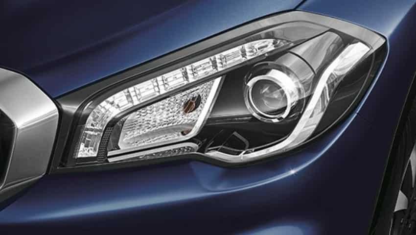 Maruti Suzuki S-Cross: Headlamps