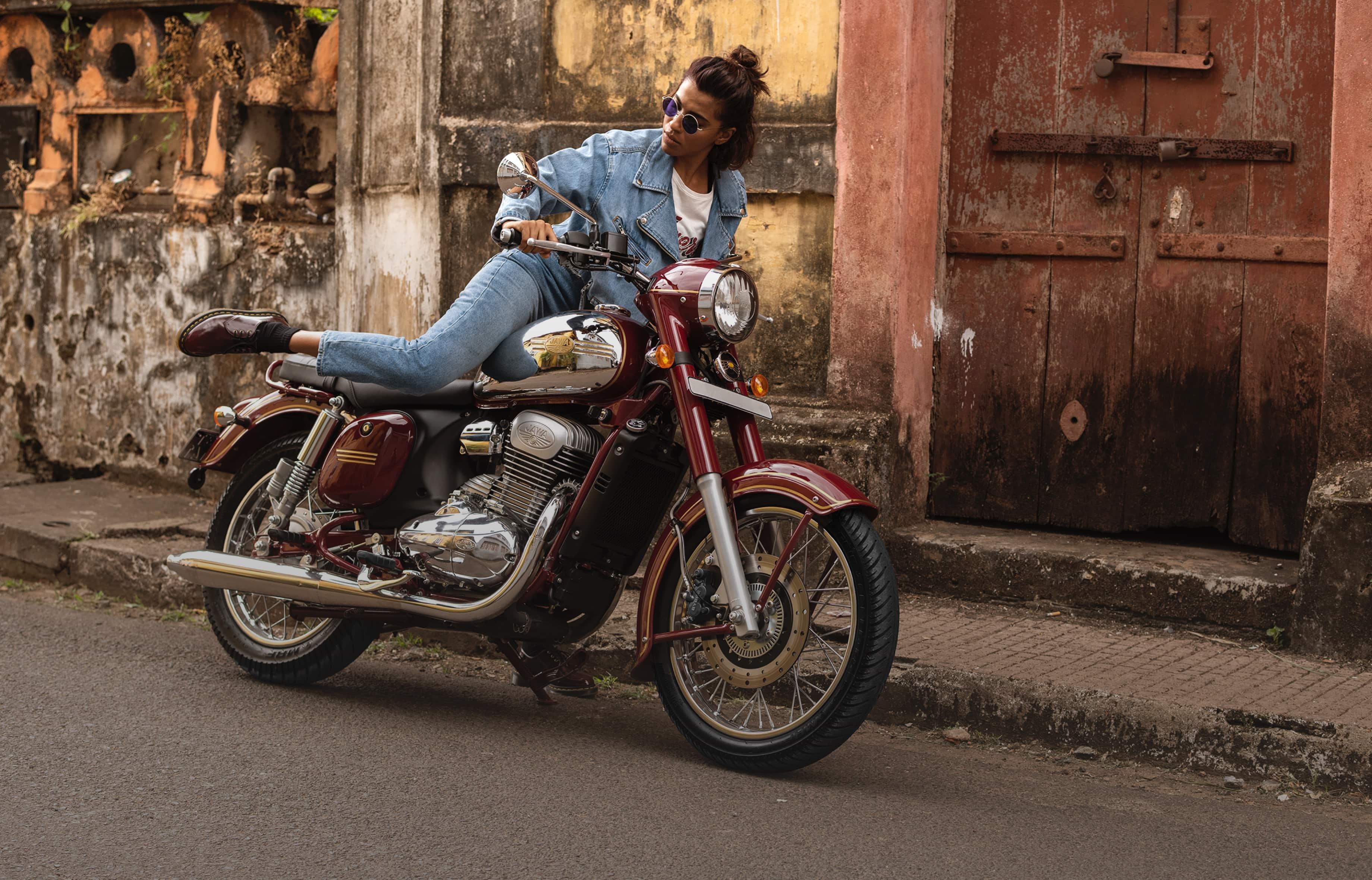 Jawa Motorcycle: Engine Transmission