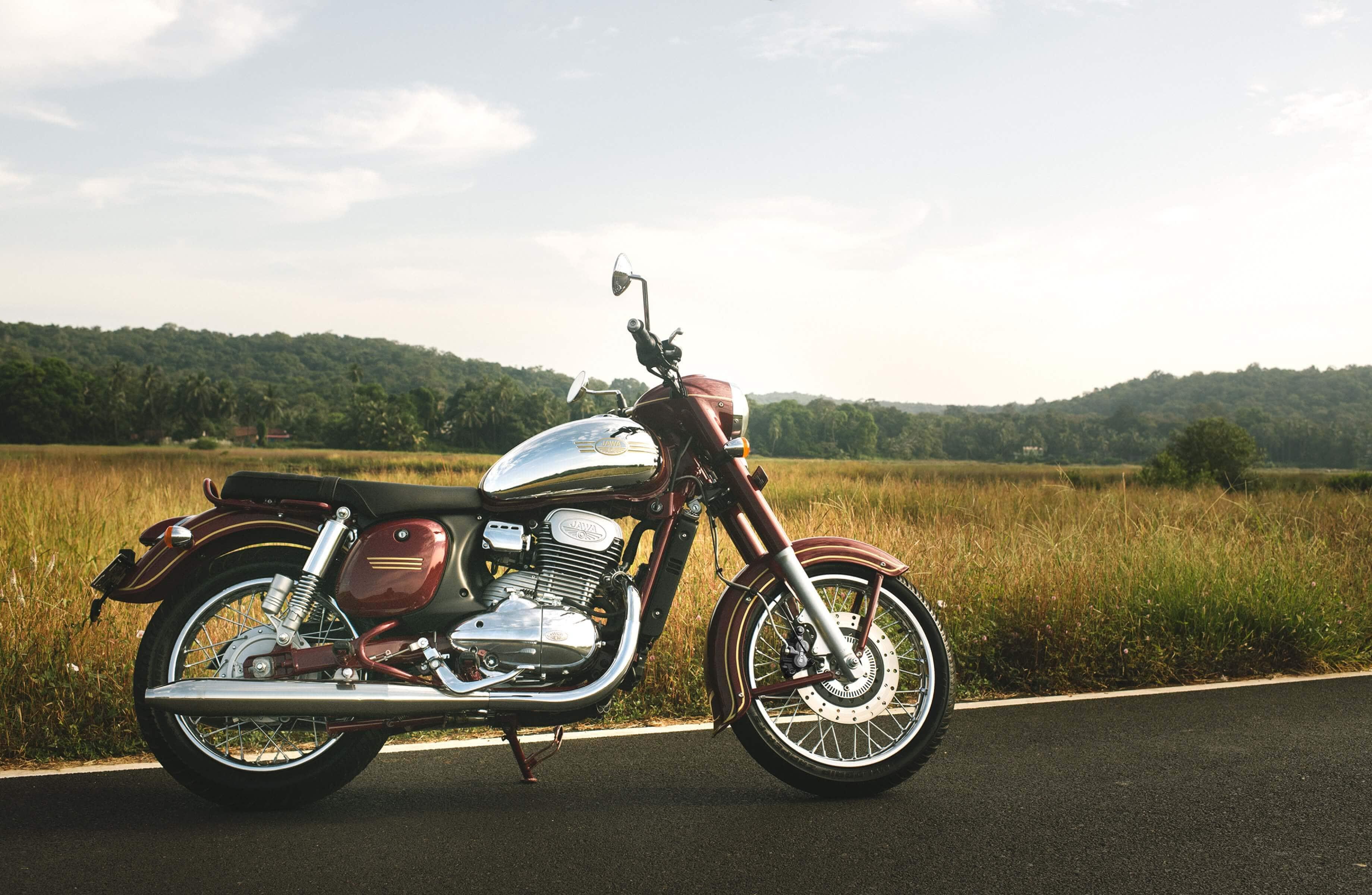 Jawa Motorcycle: Tyre
