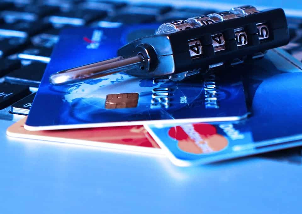SBI Customers Alert! Do you have a debit card? Your bank set