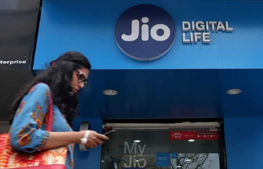 4. Reliance Jio: also took the third position, it topped Mobile Technology Category, unseating Airtel