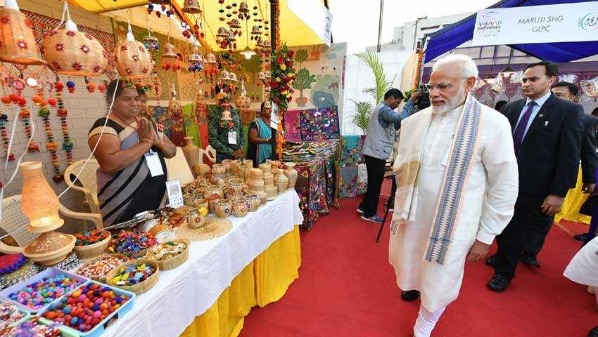 Narendra Modi: 10 percent reservation
