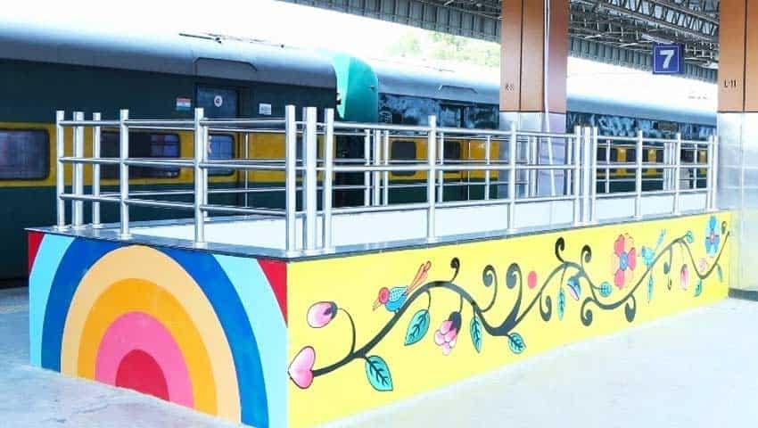 Indian Railways: AC lounge