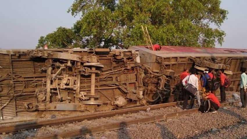 Howrah-New Delhi Poorva Express Accident