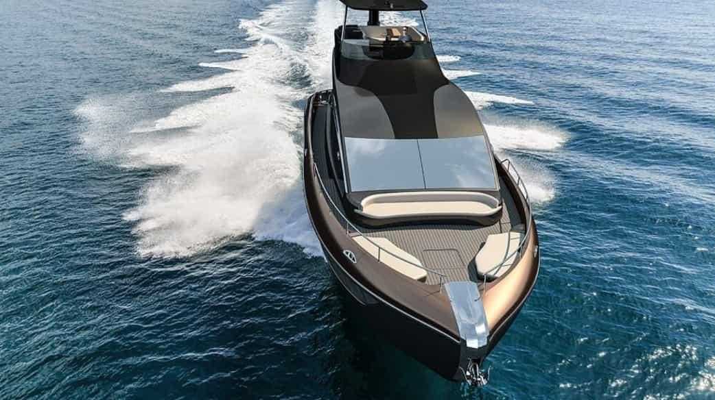 Lexus LY 650 looks: