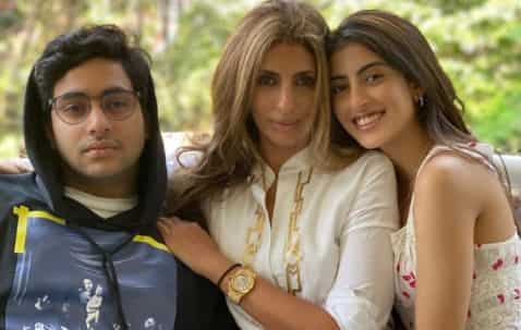 Navya with her brother and mother