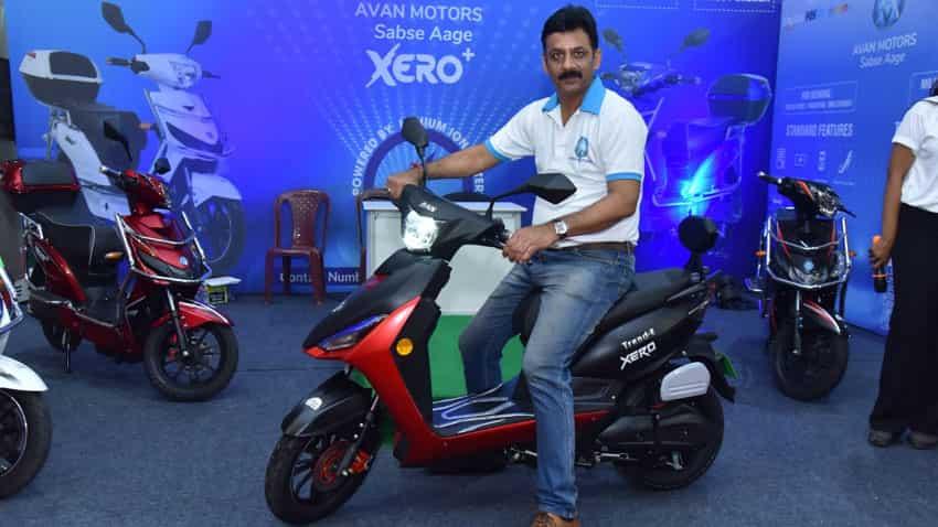 (PIC: Pankaj Tiwari, Head - Business Development, Avan Motors, with Trend E electric scooter of Xero series at Auto Expo Bengaluru)