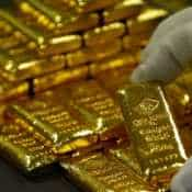 Gold price seen at Rs 37,000! Why you should buy now