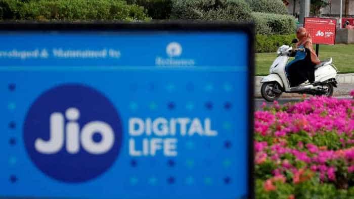 Buying new smartphone? Jio offers Rs 2,200 cashback, 50GB data; check full list of eligible smartphones