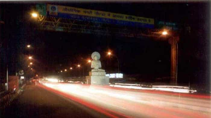 Unbelievable, but Noida set to be pothole and encroachment-free in November