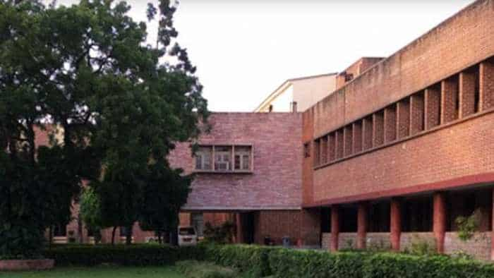 DU Recruitment 2018: Apply for non-teaching staff posts in Miranda House; check for more details