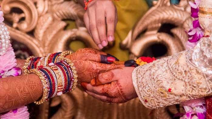 Are you getting married? Three ways to check the credit mantras of your groom