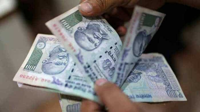 Rupee rises 16 paise to 71.74 against US dollar in early trade