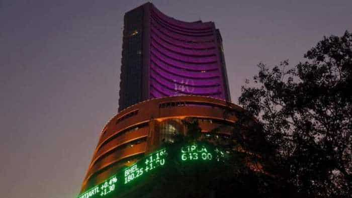 100-pt gain for Sensex on firm rupee, falling crude prices