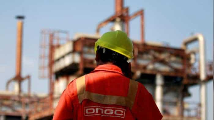 High-level panel for reverting to older system of auctioning oil blocks