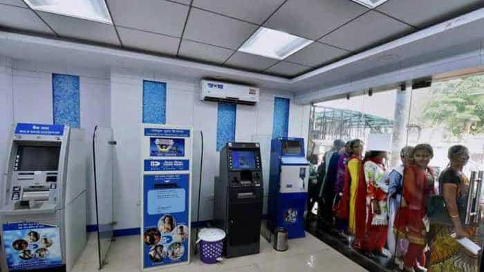 SBI Cash Deposit Machine: Know CDM maximum limit per day, charges, other details