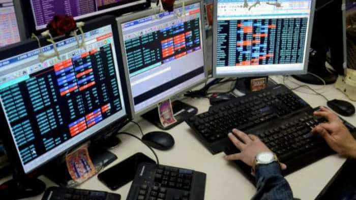 Stock markets fizzling, gold at all-time high; expert explains what you should do