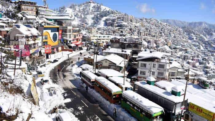 Snowfall in Shimla: Check out these beautiful pictures of city; they will simply awe you