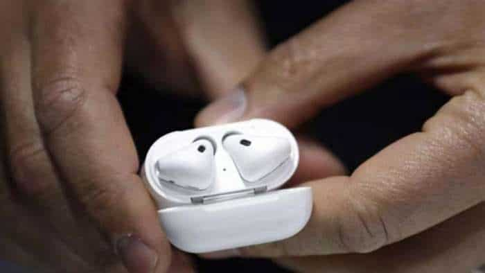 Next AirPods to sport light sensors for health tracking