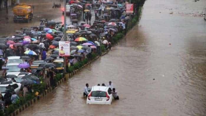 Mumbai, Konkan lashed by heavy rains; traffic hit