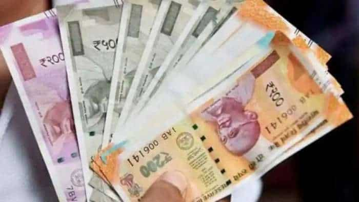Rupee declines 7 paise to close at 75.03 against US dollar