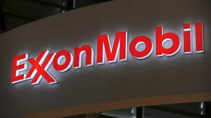 ExxonMobil earning dives 63% on plunging oil prices