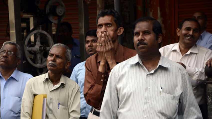 Sensex, Nifty fall on global growth worries, weak China data