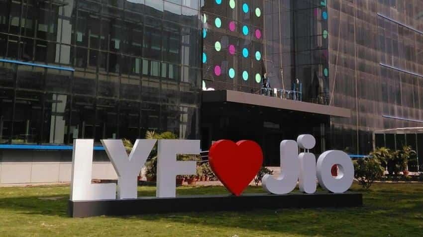 Now Reliance employees can refer friends, family for Jio 4G services