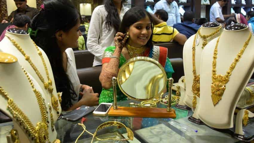 Jewellers expect tepid sales with high gold prices on Akshaya Tritiya