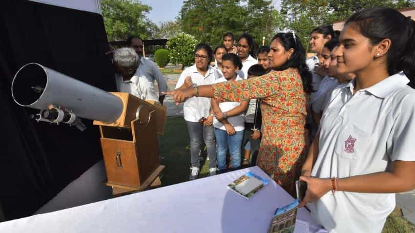Hundreds witness Mercury transit in Delhi, scientists in Srinagar disappointed