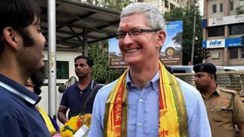 Apple chief Tim Cook meets ICICI Bank CEO Chanda Kochhar