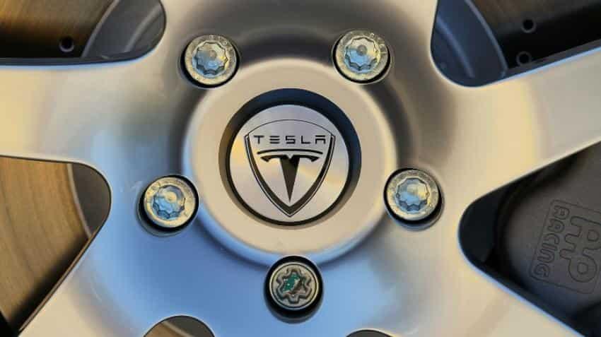 Tesla Motors offers nearly $3 billion for SolarCity