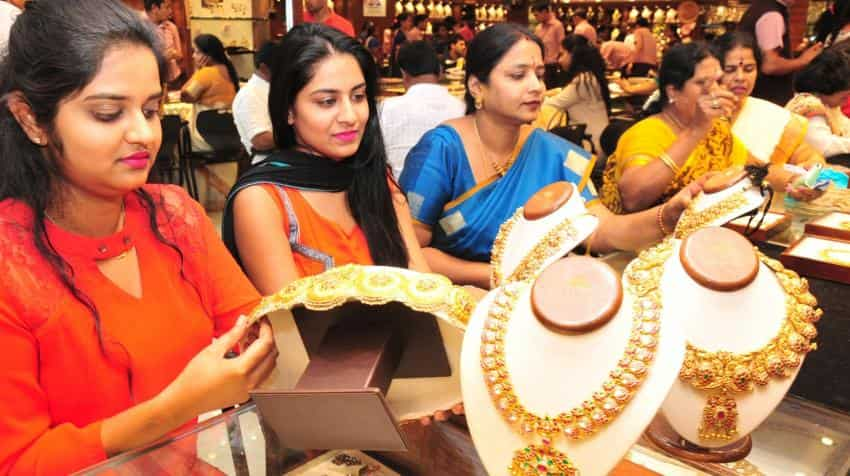 Govt extends time for jewellers to obtain excise registration by a month