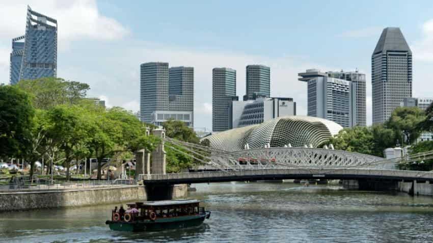 Singapore cuts 2016 forecast as world economy slows