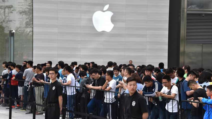 Apple's smartphone sales declined nearly 8% in Q2: Report