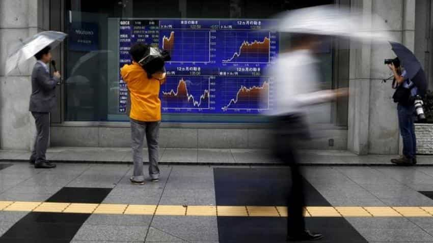 Asia stocks consolidate gains after recent rally, oil slips
