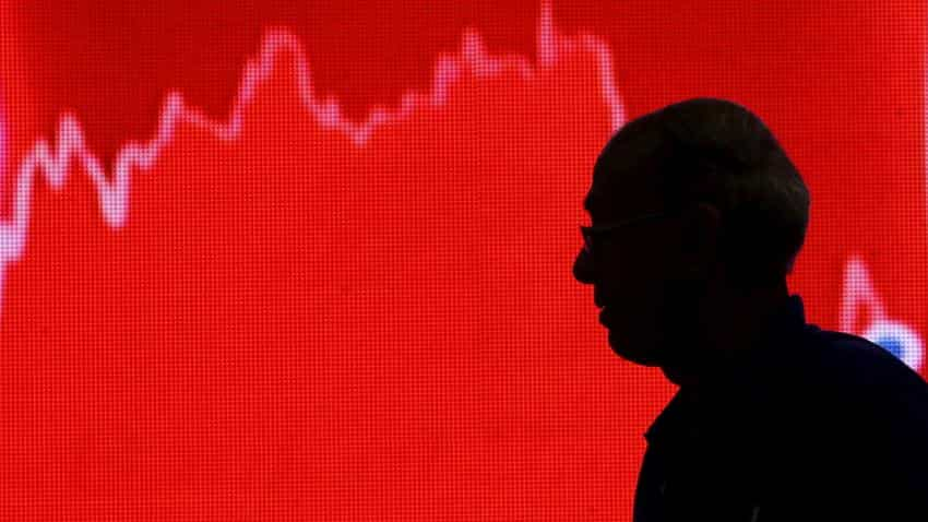 Indian markets continue to fall, Sensex tumbles over 440 points