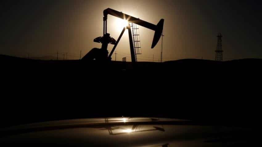Oil prices drop on returning Libya, Nigeria supplies