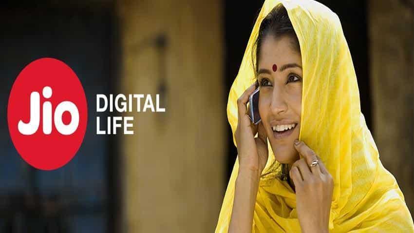 Telco War: Reliance Jio makes live operator-wise call drop data