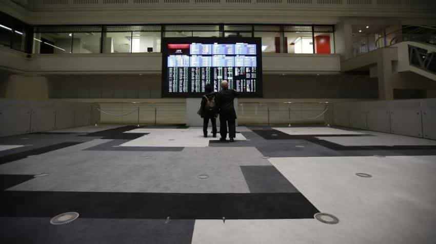 Asian stocks bounce amid US presidential debate