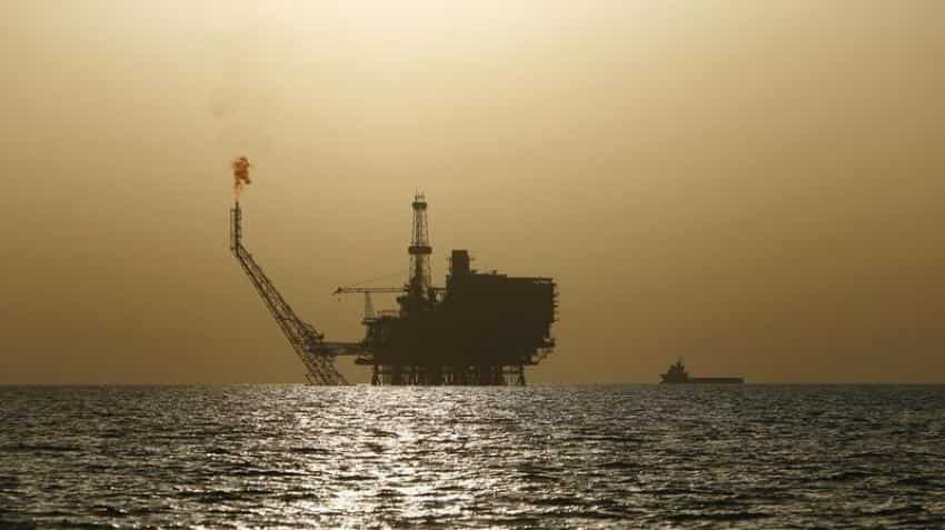 Oil prices fall on high production despite planned OPEC output cut