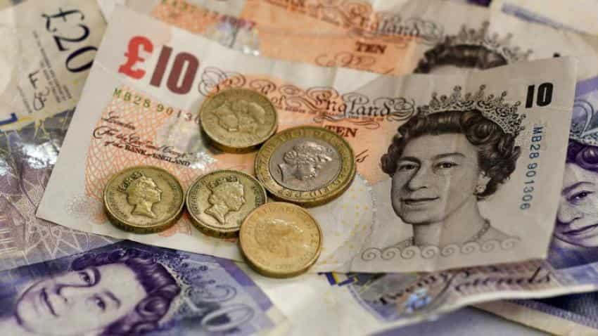 Pound slumps to 31-year low versus dollar