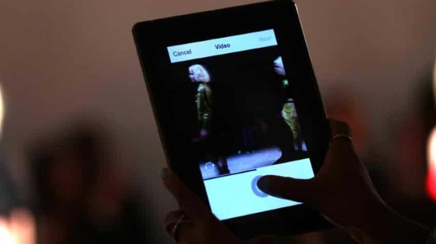 PC sales fall on tablets, smartphones revolution