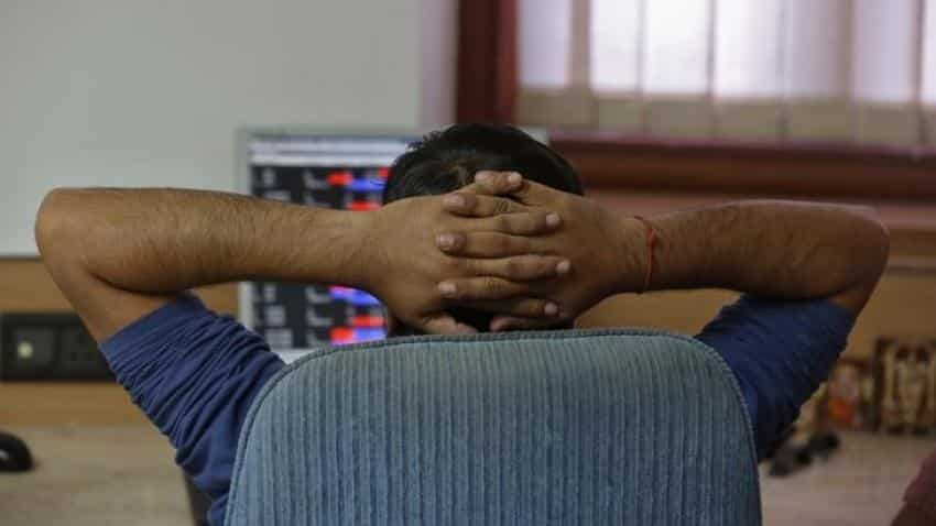 Sensex falls over 300 points as heavyweights tumble