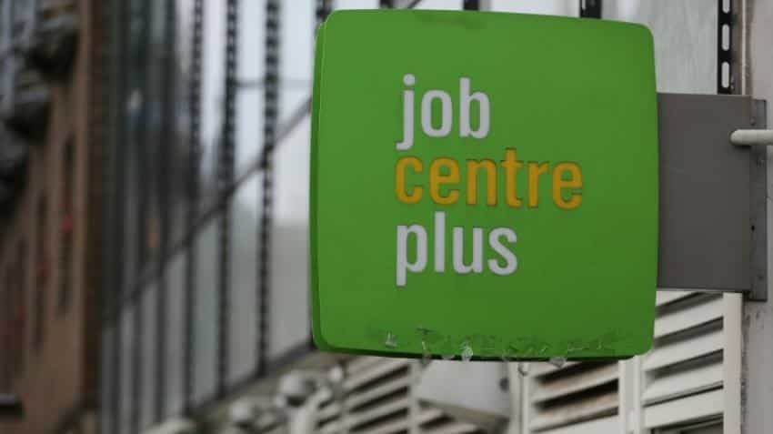 British jobless rate holds at 4.9% despite Brexit