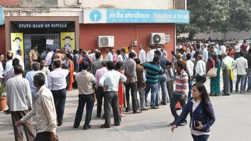 Demonetisation: Is this the right time to open a fixed deposit account?