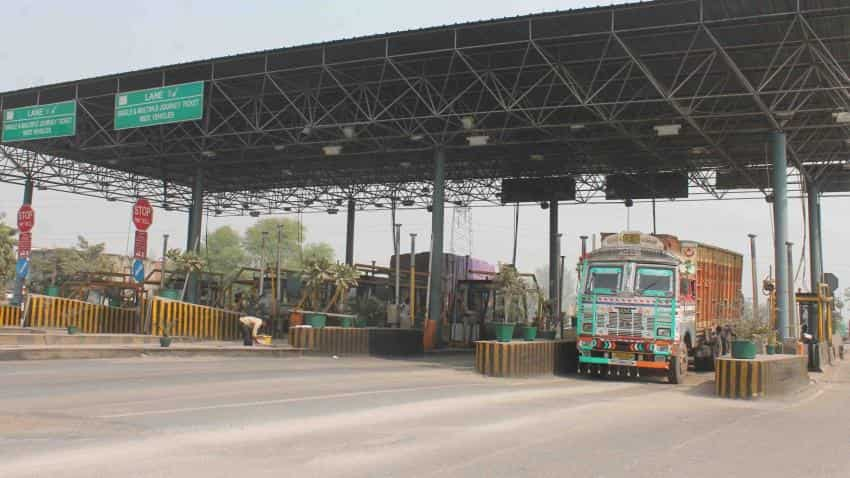 Demonetisation: Highway toll collection to drop by a third