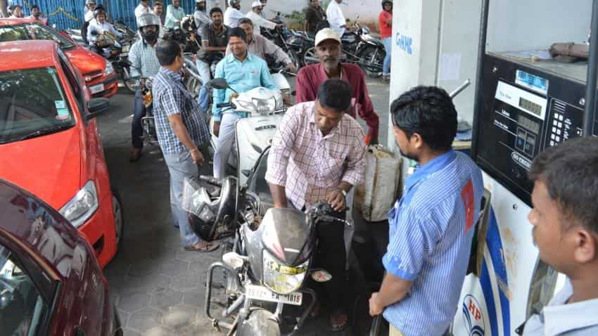 Now, get Rs 2,000 cash from petrol pumps